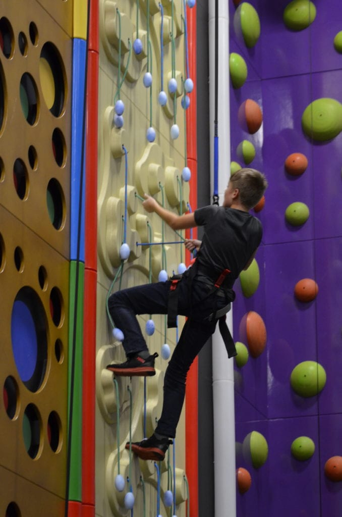 Clip n Climb Youth Goes Up